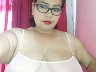 hotbustymelissa sex chat room