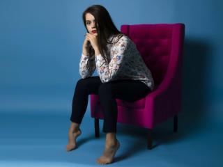 AmeliaBeautiful模特的性感個人頭像,邀請您觀看熱辣勁爆的實時攝像表演!