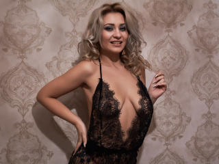 Sexet profilfoto af model BlondeAshllye, til meget hot live show webcam!