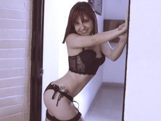 GraceMorrison模特的性感個人頭像,邀請您觀看熱辣勁爆的實時攝像表演!