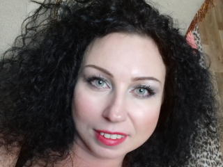 Photo de profil sexy du modèle HairyQueenX, pour un live show webcam très hot !