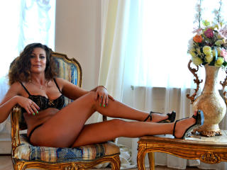 Picture of the sexy profile of JuliannaX, for a very hot webcam live show !
