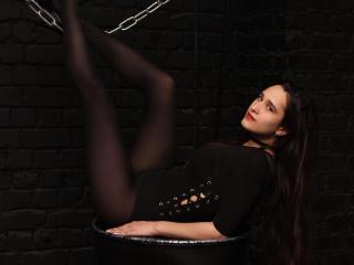 LilyLolipop模特的性感個人頭像,邀請您觀看熱辣勁爆的實時攝像表演!