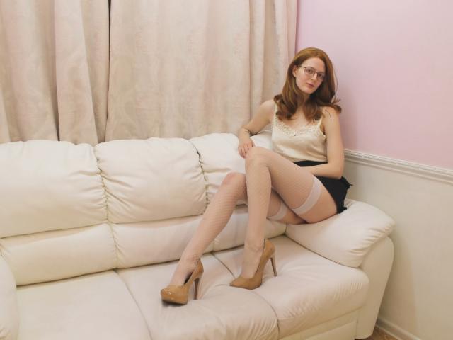 DorotyBounce模特的性感個人頭像,邀請您觀看熱辣勁爆的實時攝像表演!