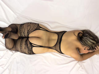 Litzydouce - 在XloveCam?欣賞性愛視頻和熱辣性感表演