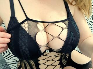 SexyLeea - 在XloveCam?欣賞性愛視頻和熱辣性感表演