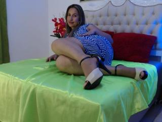 EroticSasha - 在XloveCam?欣赏性爱视频和热辣性感表演
