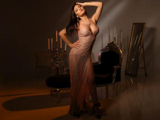 BelovedEllie - 在XloveCam?欣赏性爱视频和热辣性感表演