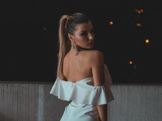 VikiSweetie - 在XloveCam?欣赏性爱视频和热辣性感表演