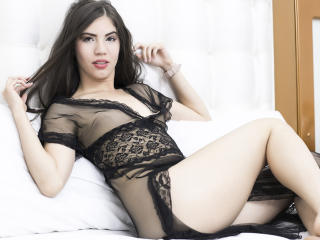 BiancaKamel - 在XloveCam?欣賞性愛視頻和熱辣性感表演