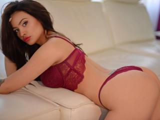 ReyyaMoore - 在XloveCam?欣賞性愛視頻和熱辣性感表演