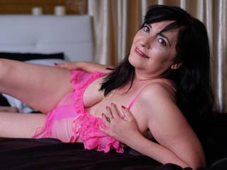 CarlaMilles - 在XloveCam?欣赏性爱视频和热辣性感表演