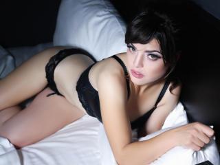 InnocentBela - 在XloveCam?欣赏性爱视频和热辣性感表演