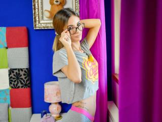 AlisonBreeze webcam livesex