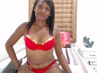 KirshaEbony Xlovecam model photo