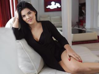 Hình ảnh đại diện sexy của người mẫu AllesandraCecy để phục vụ một show webcam trực tuyến vô cùng nóng bỏng!