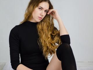 Hình ảnh đại diện sexy của người mẫu AvgustaG để phục vụ một show webcam trực tuyến vô cùng nóng bỏng!