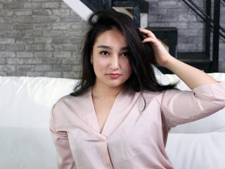 Foto de perfil sexy de la modelo AzuraEnergy, ¡disfruta de un show webcam muy caliente!
