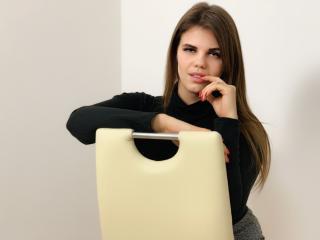 Hình ảnh đại diện sexy của người mẫu BarneyRedoms để phục vụ một show webcam trực tuyến vô cùng nóng bỏng!