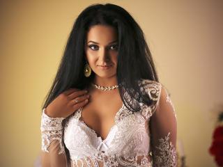 Foto de perfil sexy de la modelo BlessedConnie, ¡disfruta de un show webcam muy caliente!