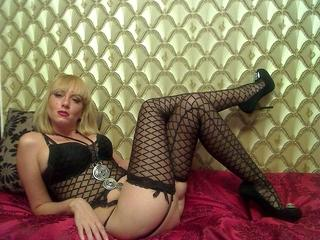 Picture of the sexy profile of BlondeDominatrix, for a very hot webcam live show !