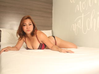Photo de profil sexy du modèle BoobsyLipsCock69, pour un live show webcam très hot !