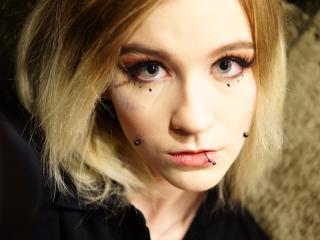 Hình ảnh đại diện sexy của người mẫu CARAluxury để phục vụ một show webcam trực tuyến vô cùng nóng bỏng!