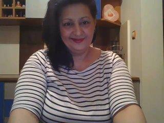 Foto de perfil sexy de la modelo CarlaDreams, ¡disfruta de un show webcam muy caliente!