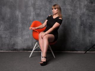 Hình ảnh đại diện sexy của người mẫu CartoonMuse để phục vụ một show webcam trực tuyến vô cùng nóng bỏng!