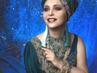 Photo de profil sexy du modèle CharlotteVivacious, pour un live show webcam très hot !