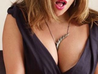 Model ChaudeFontainneX'in seksi profil resmi, çok ateşli bir canlı webcam yayını sizi bekliyor!