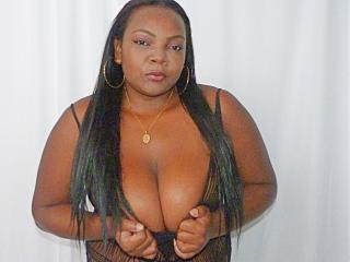 Picture of the sexy profile of ChocoSweett69, for a very hot webcam live show !