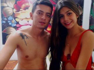 Model couplefuckparty'in seksi profil resmi, ?ok ate?li bir canl? webcam yay?n? sizi bekliyor!