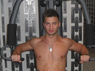 Picture of the sexy profile of DennisSteele, for a very hot webcam live show !