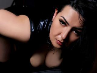 超ホットなウェブカムライブショーのためのチャットレディ、DommeMelisaのセクシープロフィール写真