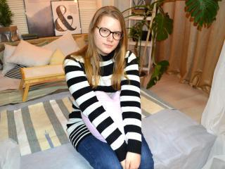 Hình ảnh đại diện sexy của người mẫu ElzaHaynes để phục vụ một show webcam trực tuyến vô cùng nóng bỏng!