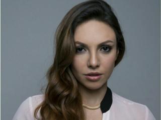 Photo de profil sexy du modèle GalGadotLatin, pour un live show webcam très hot !