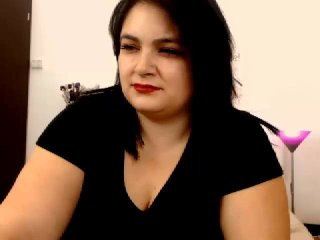 Picture of the sexy profile of HolyMoly, for a very hot webcam live show !