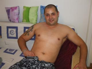 Picture of the sexy profile of HotDave, for a very hot webcam live show !