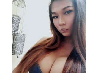 iCanSuckMyOwnCock webcam model