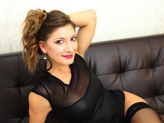 Foto de perfil sexy de la modelo IsabelleeX, ?disfruta de un show webcam muy caliente!