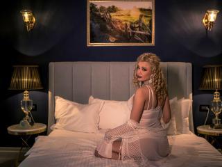 Фото секси-профайла модели KendraGodessTs, веб-камера которой снимает очень горячие шоу в режиме реального времени!