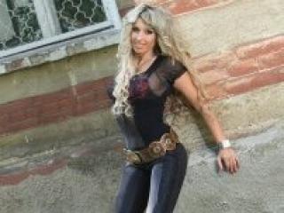 Model KitiCrristal'in seksi profil resmi, çok ateşli bir canlı webcam yayını sizi bekliyor!