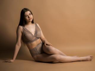 Hình ảnh đại diện sexy của người mẫu KittyKessi để phục vụ một show webcam trực tuyến vô cùng nóng bỏng!