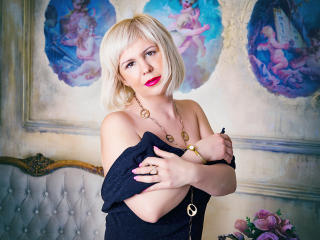 Foto de perfil sexy de la modelo LadyVironika, ¡disfruta de un show webcam muy caliente!