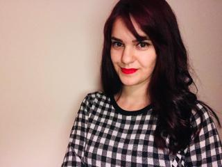 Model LaraFontaineX'in seksi profil resmi, çok ateşli bir canlı webcam yayını sizi bekliyor!
