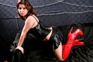 Picture of the sexy profile of LatexSparkle, for a very hot webcam live show !