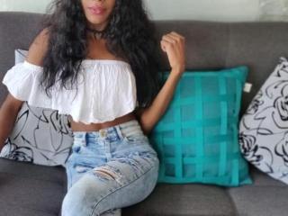 Velmi sexy fotografie sexy profilu modelky LauraBrown pro live show s webovou kamerou!