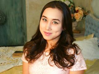 Foto del profilo sexy della modella LibertyIsland, per uno show live webcam molto piccante!