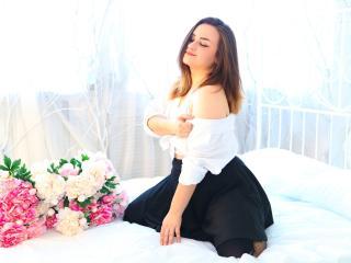 Hình ảnh đại diện sexy của người mẫu LifeIsLove để phục vụ một show webcam trực tuyến vô cùng nóng bỏng!